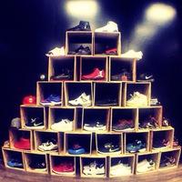 Hilal Jb - продавец мужских кроссовок