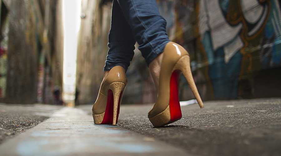 Женская обувь на рынке Садовод в Москве оптом. Большие и маленькие размеры