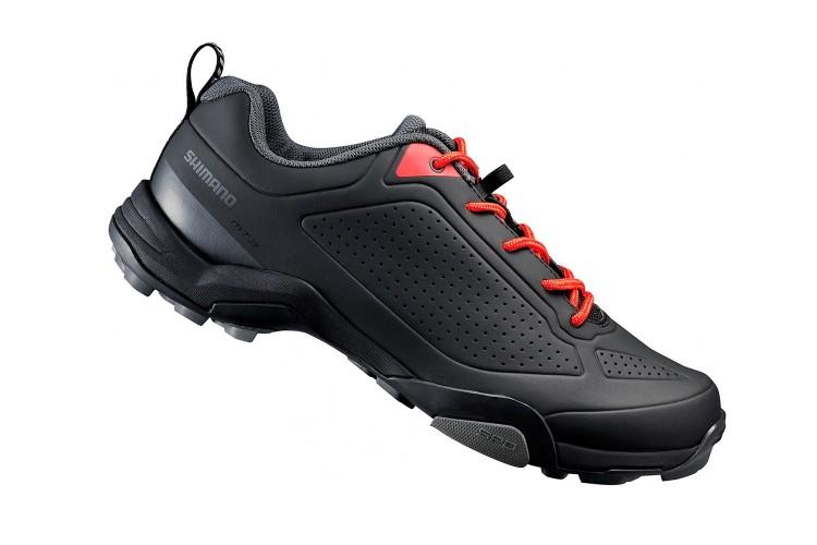 Спортивная обувь на Садоводе