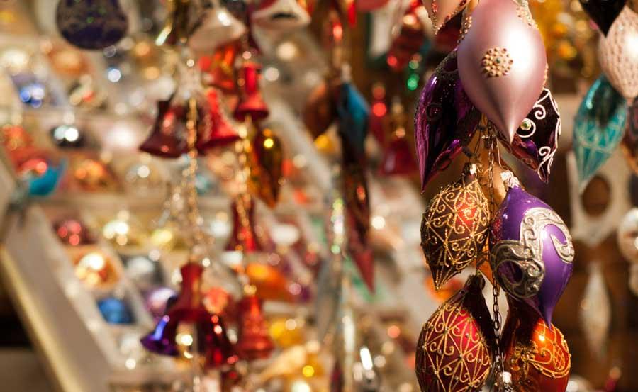Елочные украшения на рынке Садовод (елочные шары)